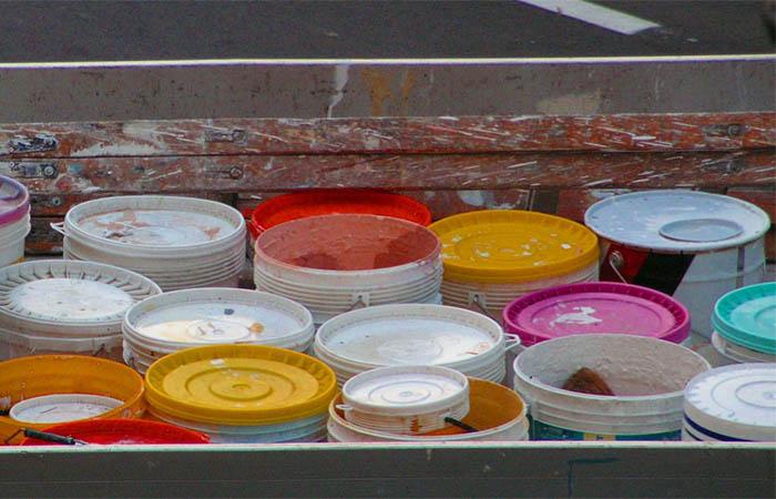 jeter pot peinture